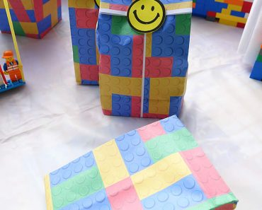 lego-birthday-party-favor-bag-diy